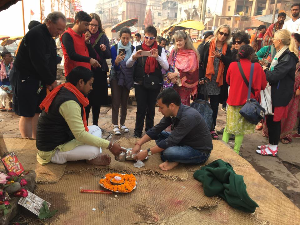 Vikas Kumar performing Pind Daan ceremony in Varanasi December 2017