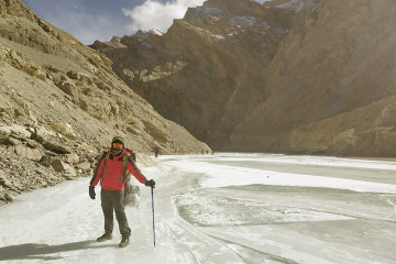 Frozer-river-trek-Ladakh-2